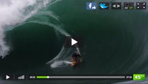 Vídeo de una ola gigante siendo surfeada por un surfero